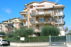 Martinsicuro vendesi in via Dei Pini…