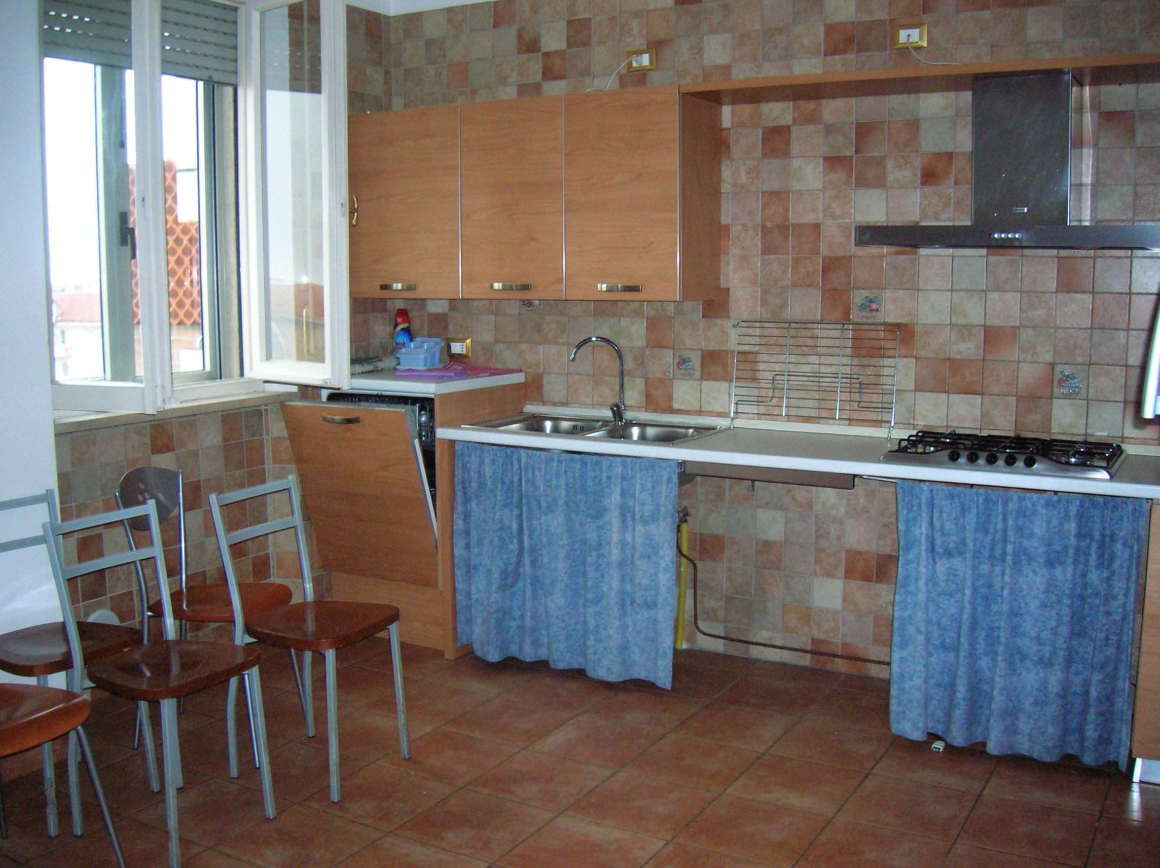 Martinsicuro vendesi in zona centrale e residenziale…