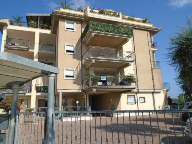 Villarosa di Martinsicuro vendesi in zona mare in palazzina di recente costruzione…