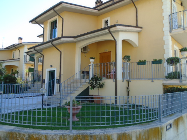 Colonnella vendesi in zona panoramica in palazzina di recente costruzione….