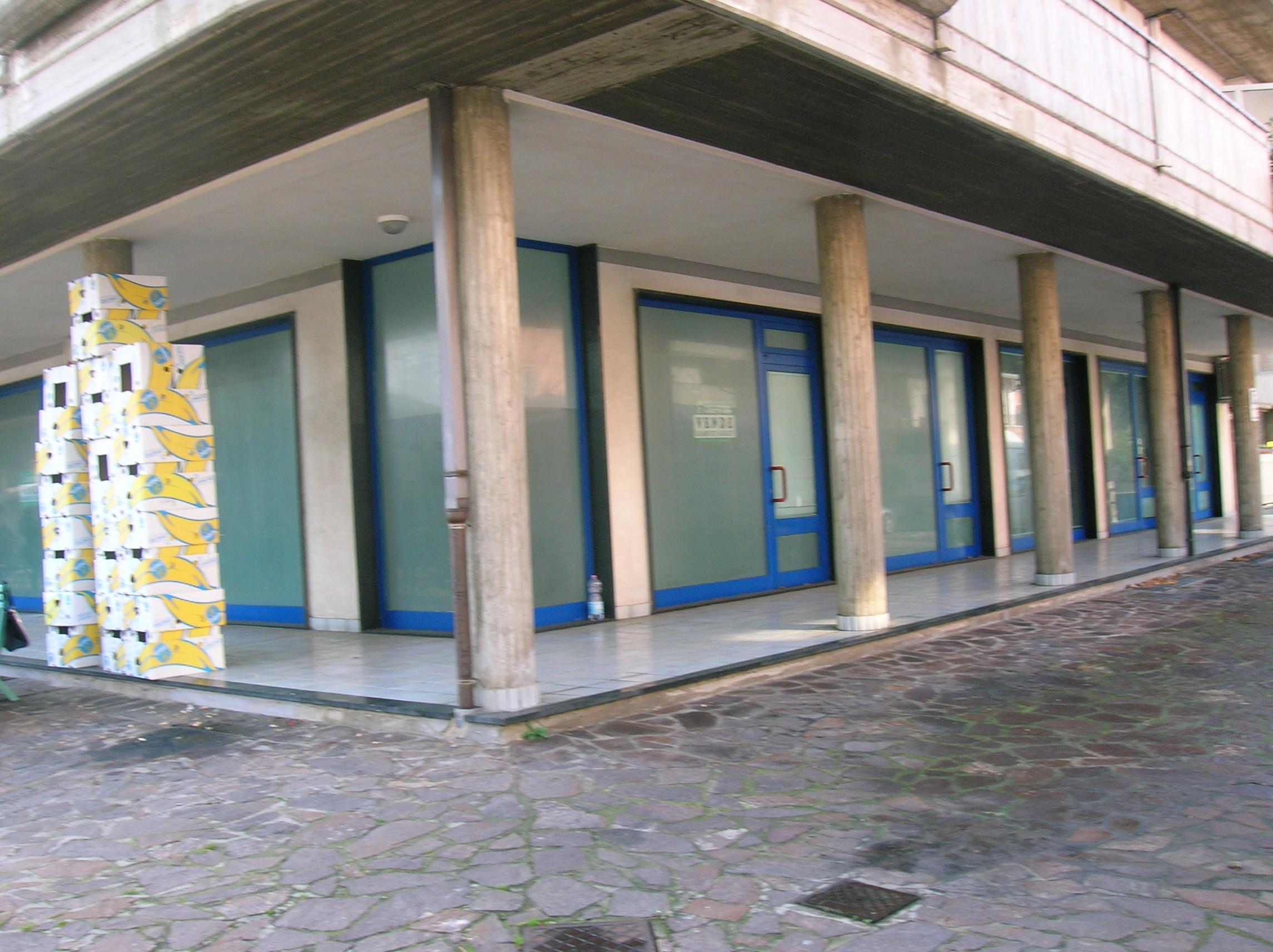 Martinsicuro vendesi in via Ticino angolo via Salinello….